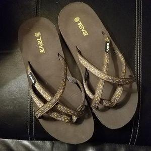 Tevanian Sandals